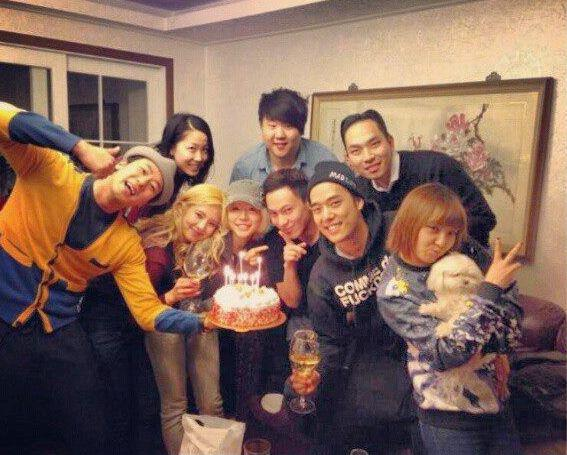 Girls' Generation's Sunny and Hyoyeon Celebrated a friend's birthday!