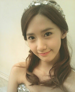 Yoona Snaps a 'Princess-Like' Selca!