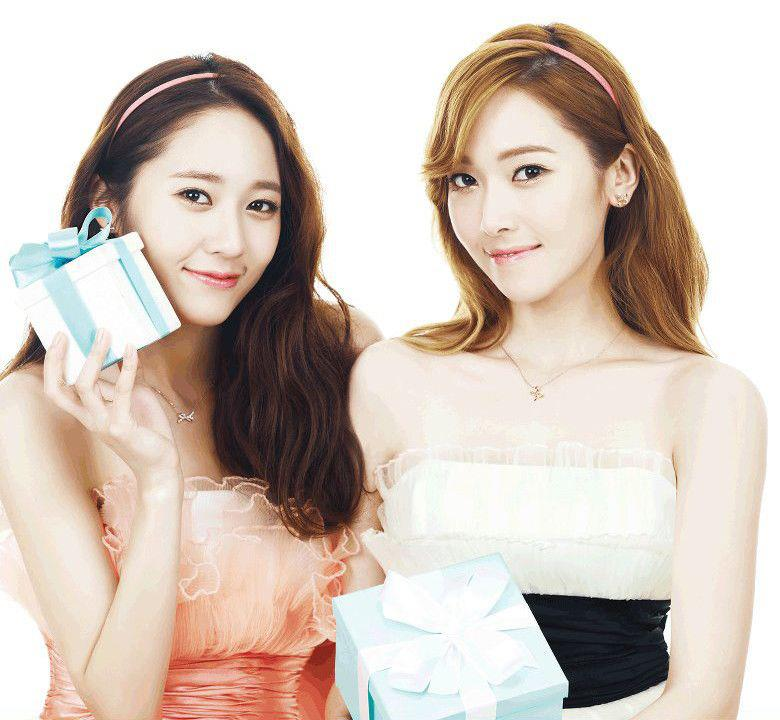 SNSD Jessica and f(x) Krystal's lovely photos from 'STONEHENgE'