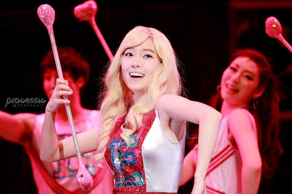 SNSD's Jessica performed her final stage for 'Legally Blonde' Musical!