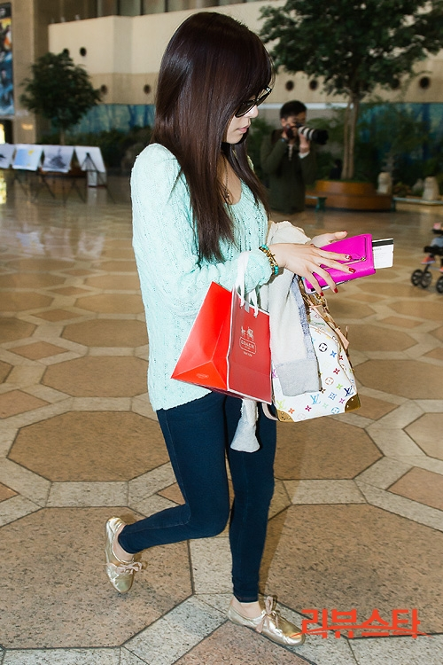 snsd airport pictures (8)
