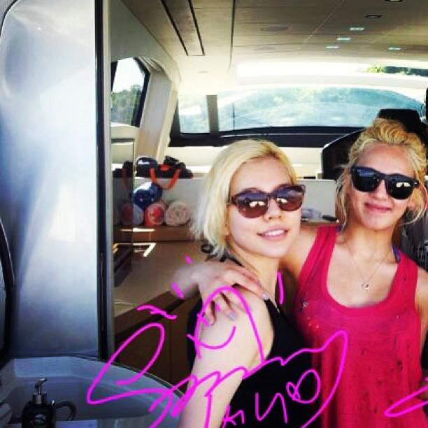 Girls' Generation's Sunny and Hyoyeon reunites in Thailand for their vacation!