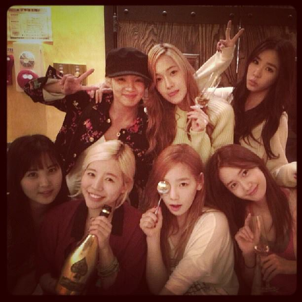 Girls' Generation celebrates Sunny's Birthday!