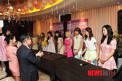 SNSD Went to Lotte's 'Romantic Date with SNSD' Event!