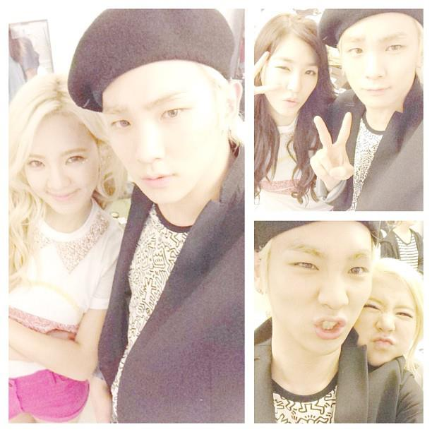 SHINee's Key Took a Photo with 6 Members of SNSD!