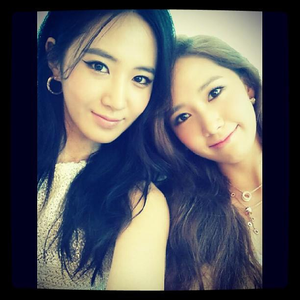 Girls`Generation's Yuri Uploaded a Photo with Yoona!