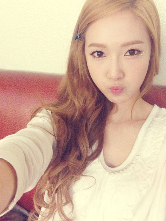 Girls`Generation's Jessica has opened a Weibo Account!