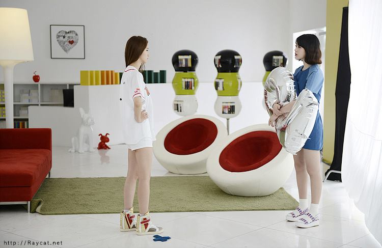 Yoona and Sulli - SKT LTE Noot Season 2 BTS Pictures!