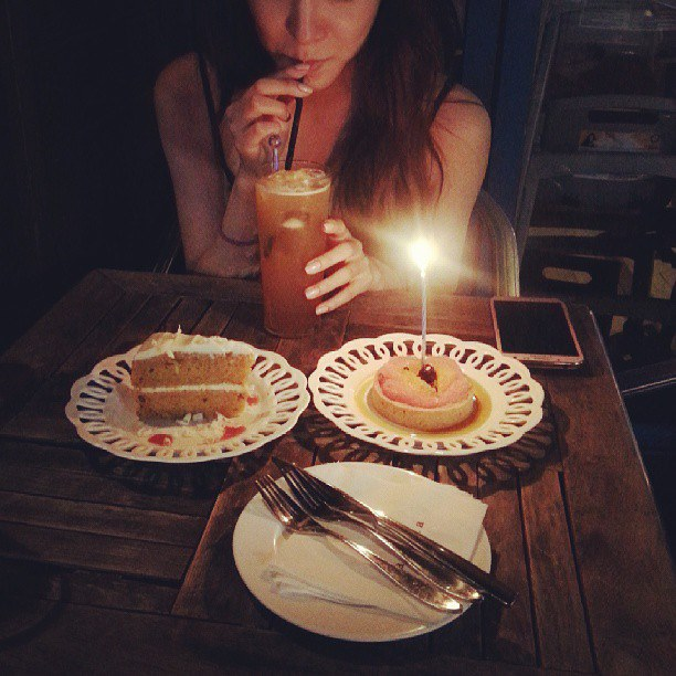 Girls`Generation's Yuri on a Date with the Birthday Girl, Tiffany!