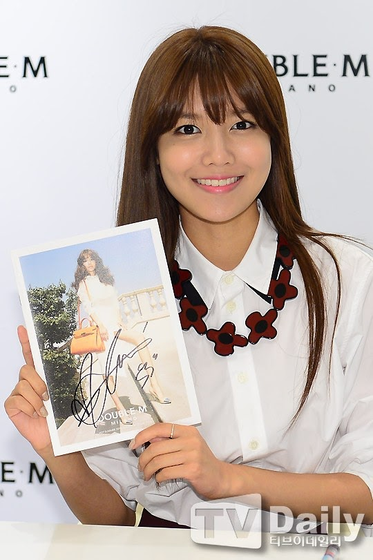 Sooyoung at Double M Fansign Event!