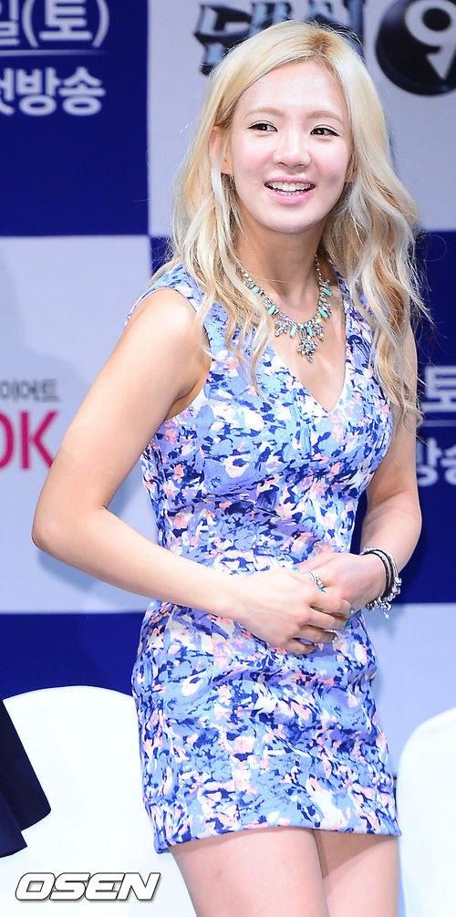 snsd yuri hyoyeon dancing 9 presscon (79)