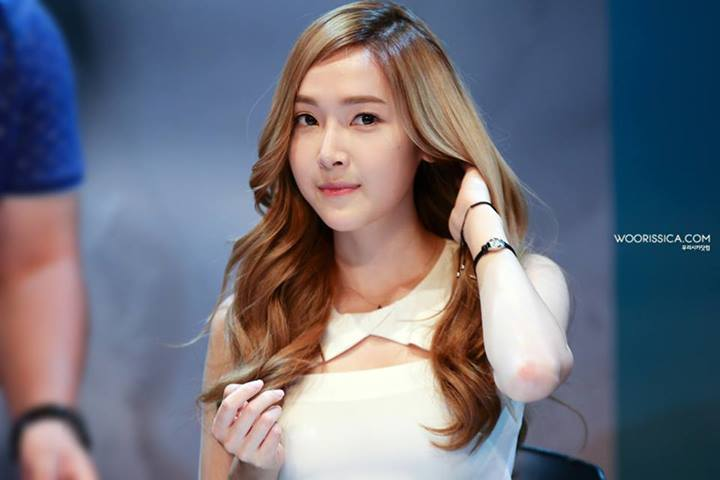 Girls`Generation's Jessica at STONEHENgE Fansign Event!