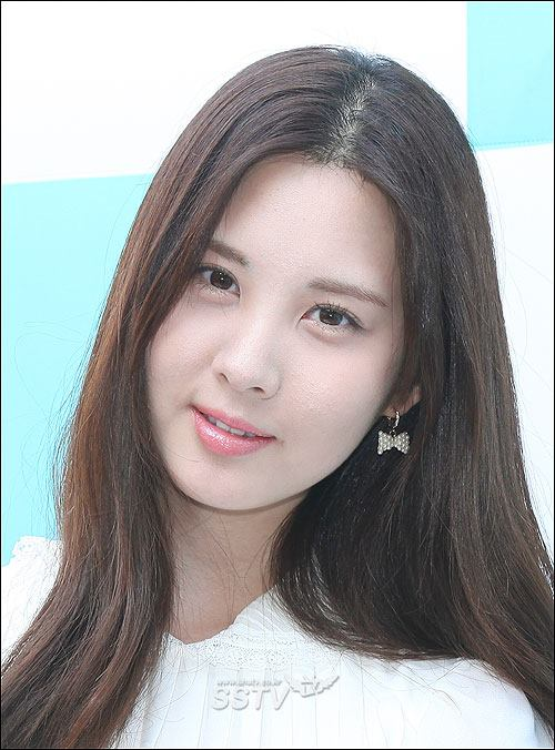 Girls`Generation's Seohyun at SK Telecom's Signing Event!