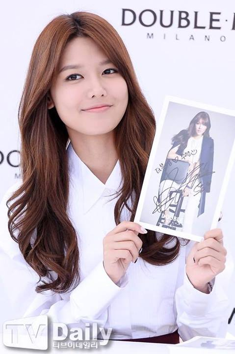 Girls`Generation's Sooyoung at Double M's Signing Event!