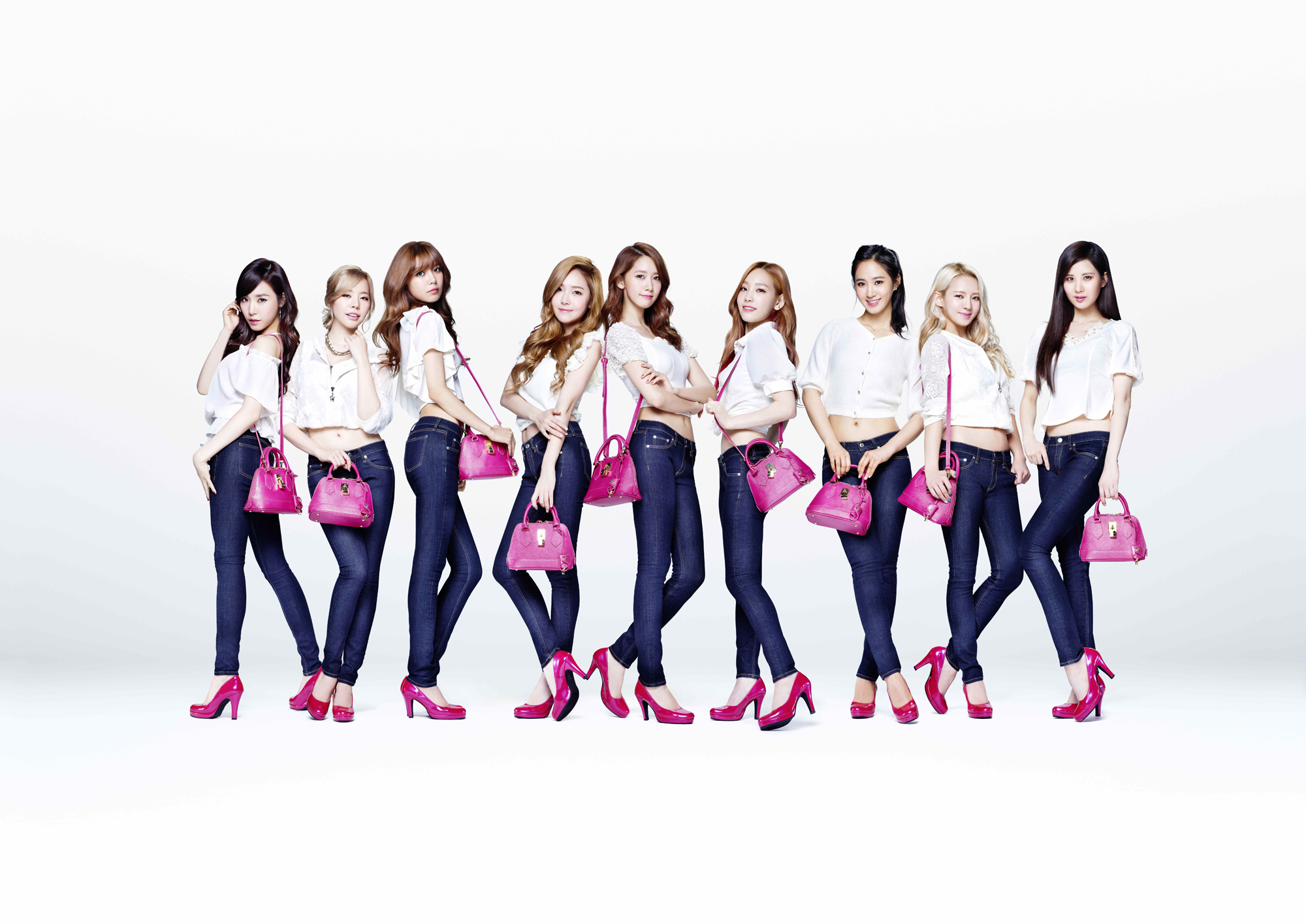 Girls`Generation as New Muses of 'Samantha Thavasa'