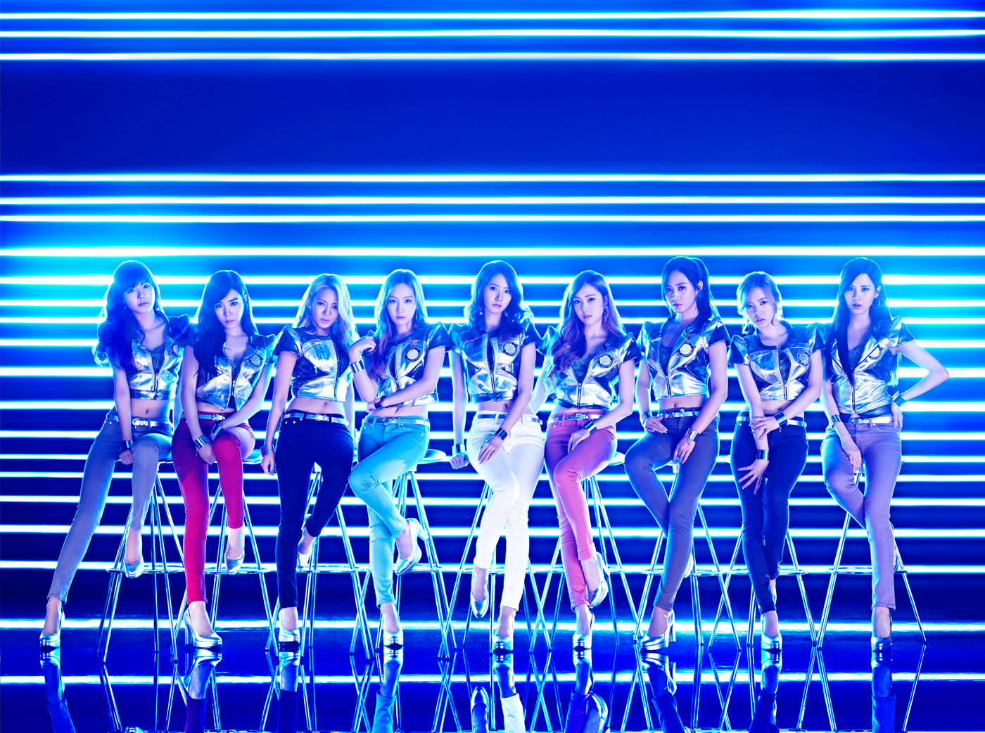 Girls`Generation's 'Galaxy Supernova' Dance Version Music Video and Photos!