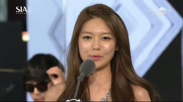 Girls`Generation's Sooyoung Won 'Best K-Style Award' from the '2013 Style Icon Awards'