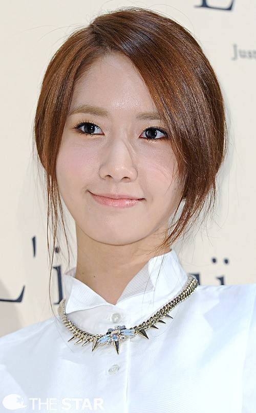 Girls`Generation's Yoona Voted as #1 Female Celebrity with Unaltered Face!