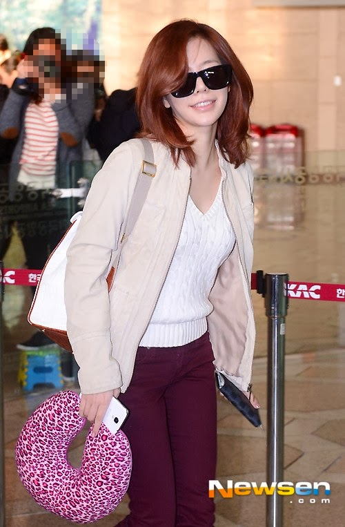 Girls`Generation at Airport Going to Japan for SMTown World Tour III Concert in Tokyo!