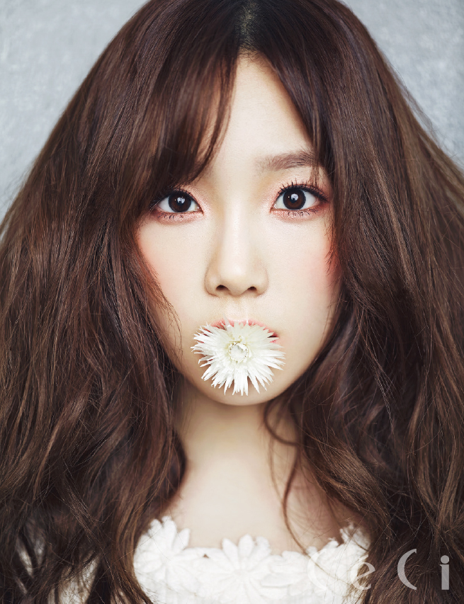 Girls`Generation Taeyeon's Photos from 'CeCi' Magazine January Issue and Interview!