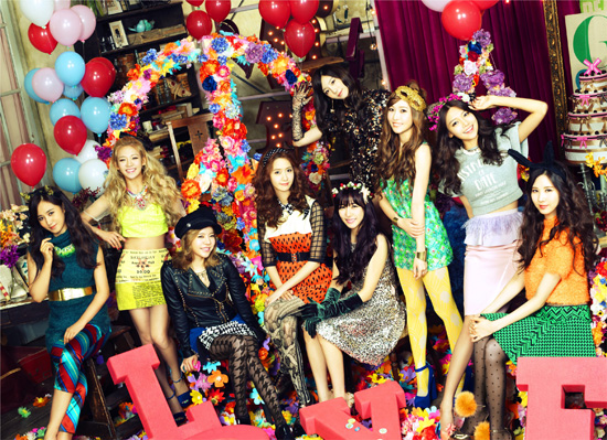 Girls`Generation As First Korean Girl Group to Rank Twice at #1 on Oricon Weekly Chart!