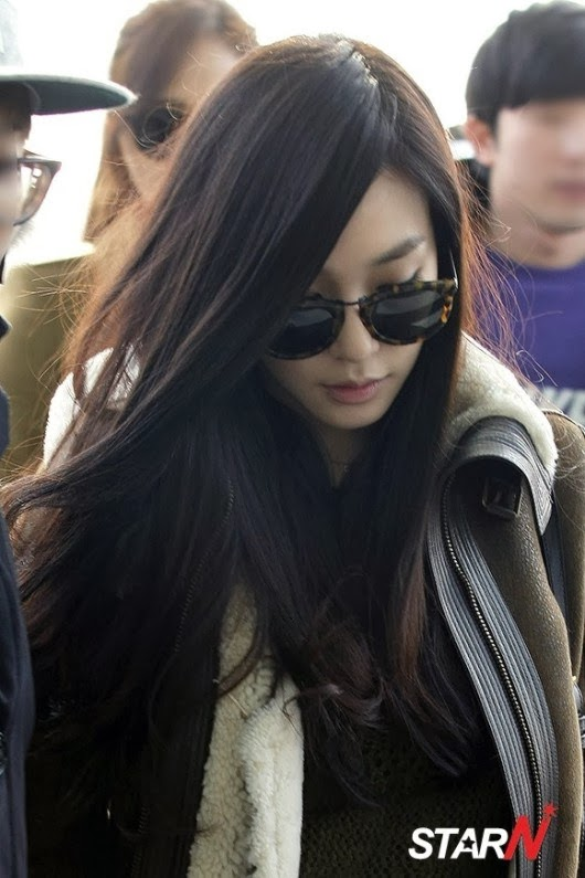 Girls`Generation's Yuri and Tiffany Going to Milan for Burberry Photoshoot!