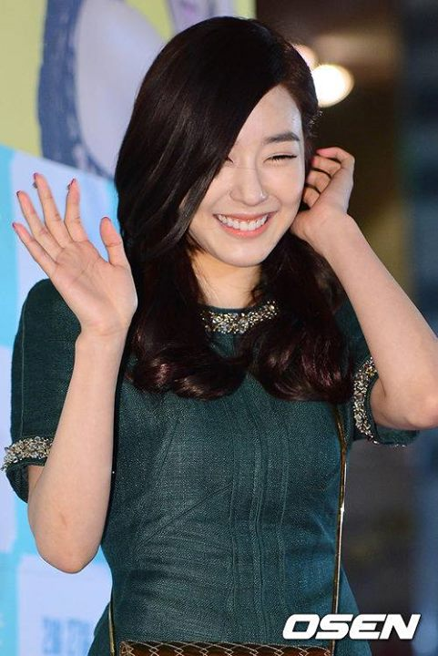 Girls`Generation's Tiffany at the VIP Premiere of 'The Actress Is Too Much' Movie!