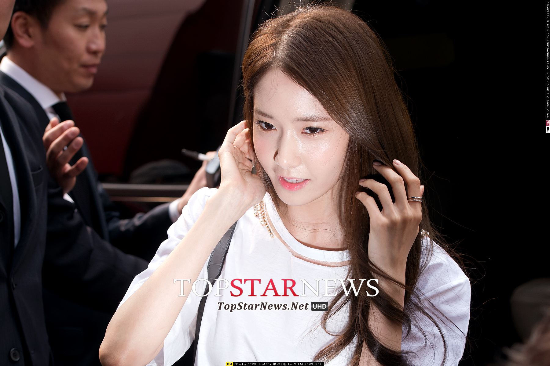 Girls`Generation's Yoona at Defaye Black's Event!