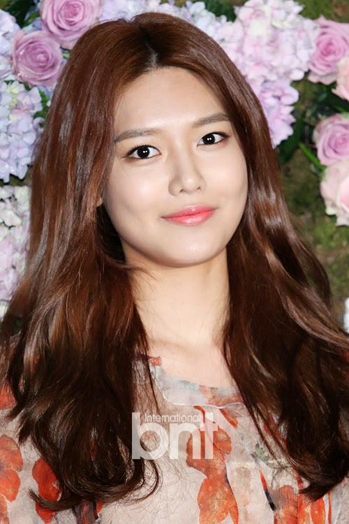 Girls`Generation's Sooyoung at RAUM Cafe's Event!
