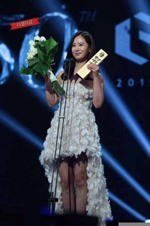 Girls`Generation's Yuri Won the Popular Movie Actress Award at the 50th Baeksang Art Awards!