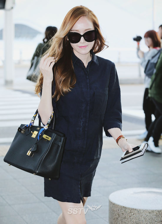 Girls`Generation's Jessica at Incheon Airport Going to New York!